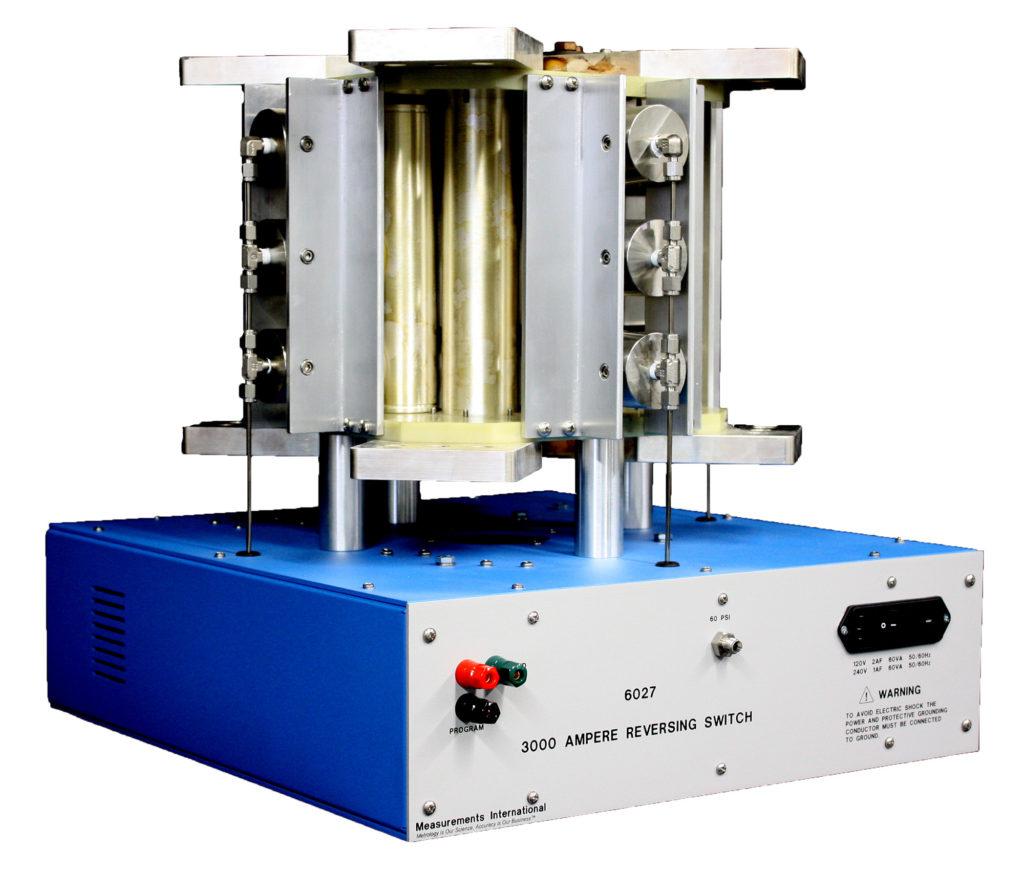 6027 - 3000 Ampere Reversing Switch